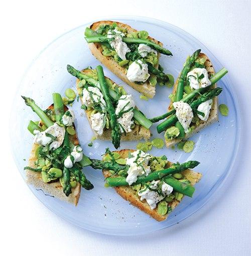 asparagus mozzaralla bruschetta