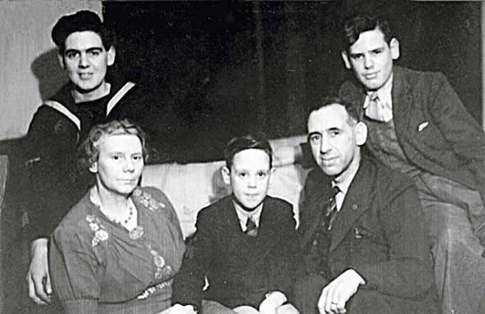 Mitchell family 1943