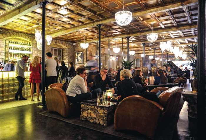 1823 Bistro Bar & Grill
